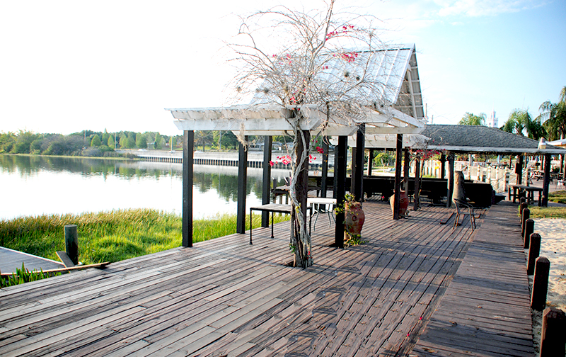 FLorida Lake Wedding Venue